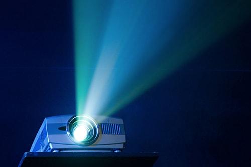 بررسی نسبت پرتاب در انتخاب ویدئو پروژکتور