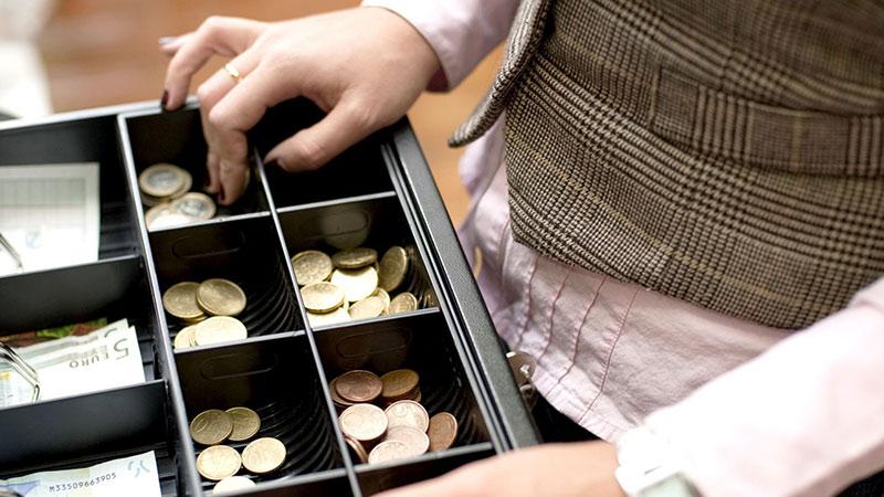 بررسی انواع کشوهای پول صندوق فروشگاهی و مزایای استفاده از آنها
